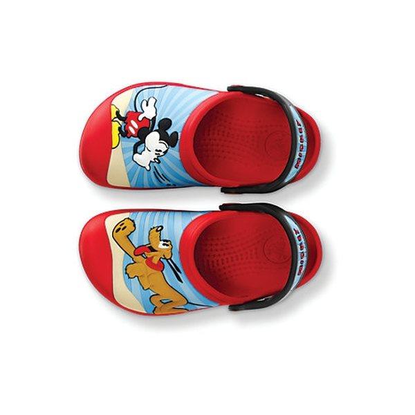 5a22860d557281 Crocs Mickey Mouse   Pluto